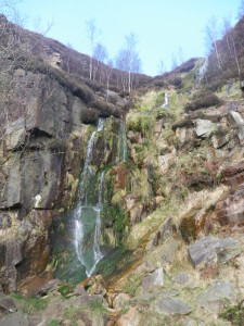 Crompton Moor Waterfall - www.saddleworthdiscoverywalks.co.uk